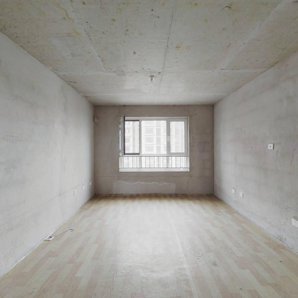 嘉平8090 两室一厅 南北通透 中间楼层 老证空户