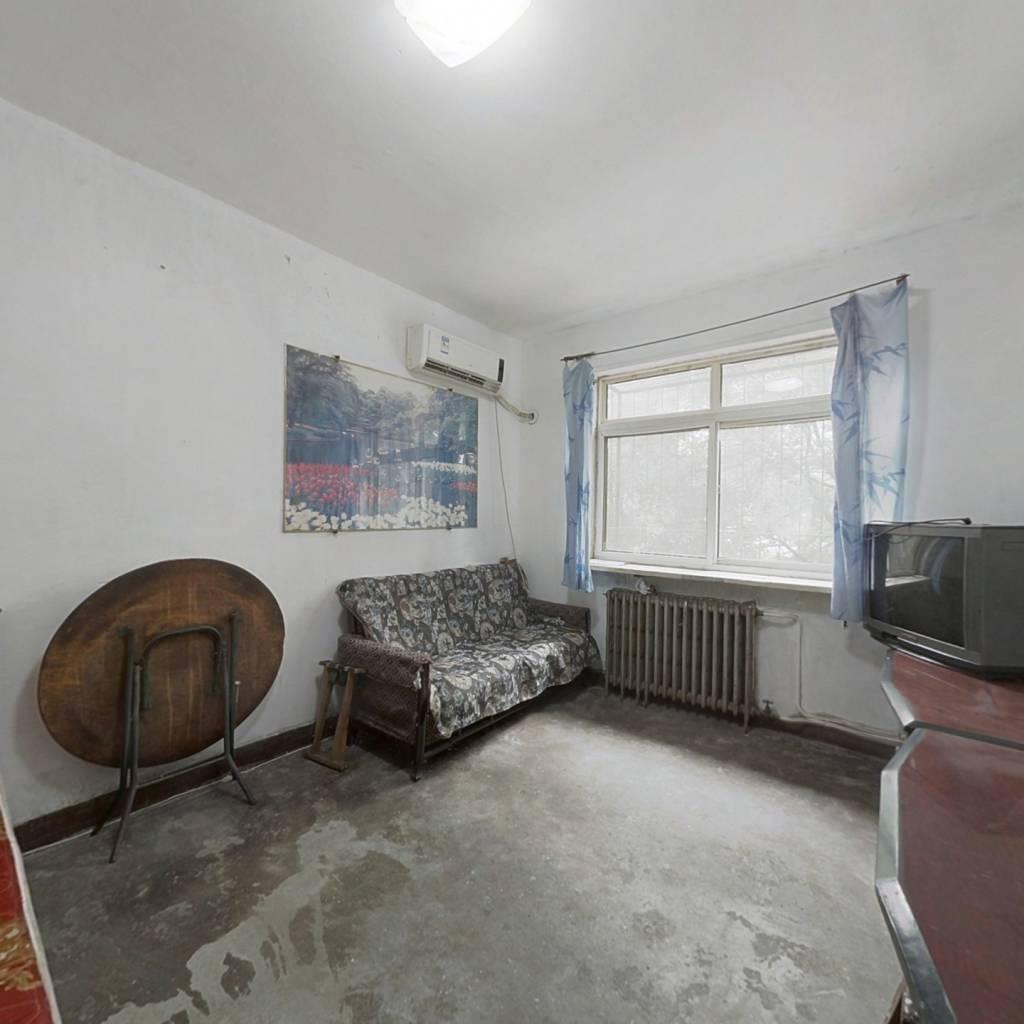 光荣楼 两室一厅  企业产 不限套数  需一次性付款