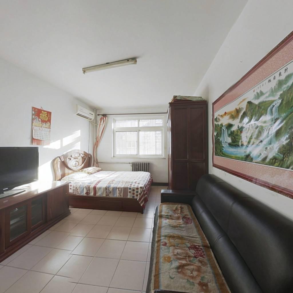 大沽南路旁 景兴西里 两室私产 过两年 南北通透