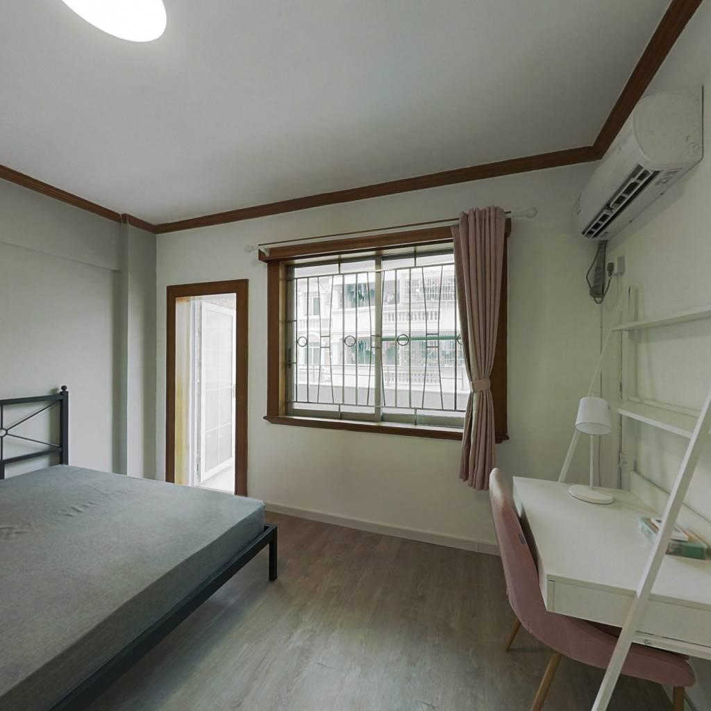 合租·芳华花园洛湖居 4室1厅 北卧室图