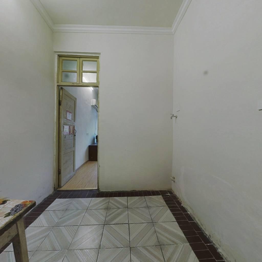 子林街 简装两房 买一得二 业主急售 随时看房