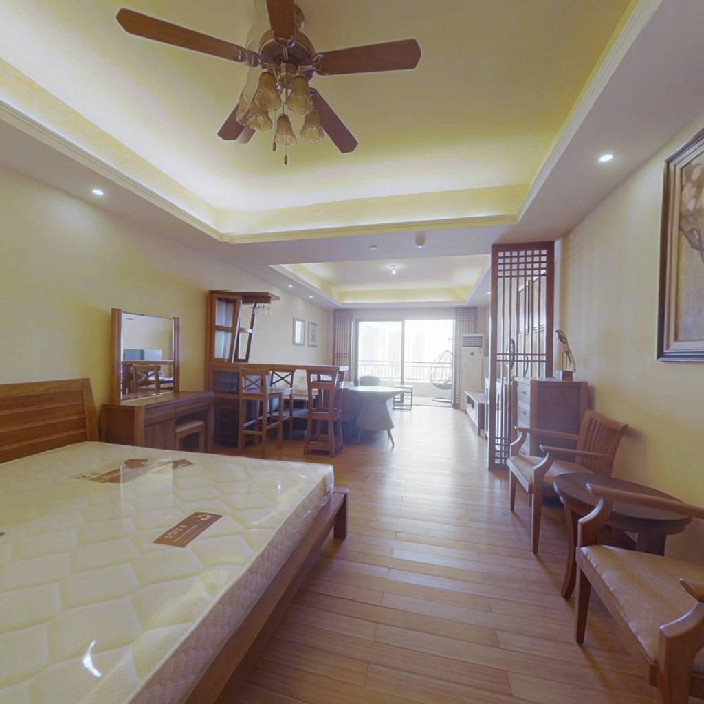 十里银滩海云天精装单房,中间楼层,东北朝向视野宽广