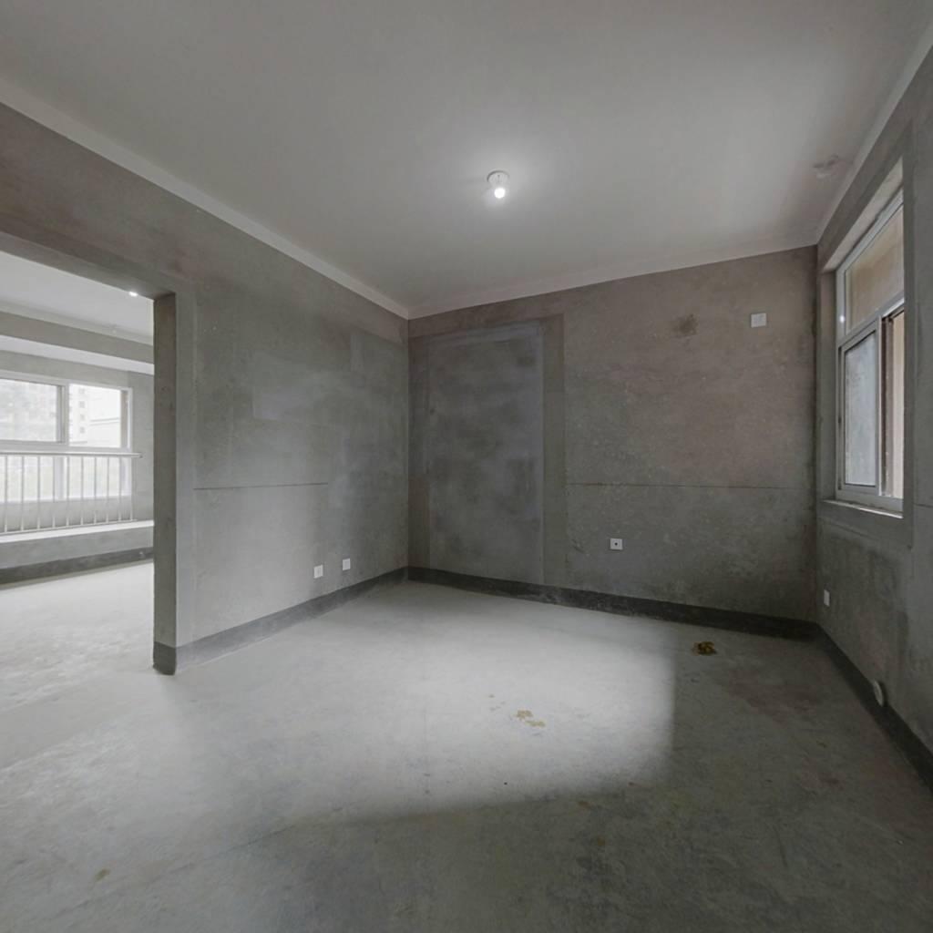 金龙南郡1楼64平米  售55万  毛坯 看中可谈