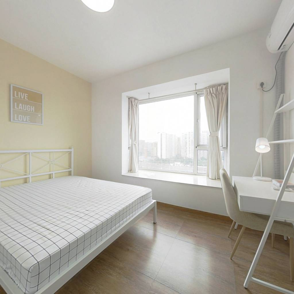 合租·水畔经典 4室1厅 北卧室图