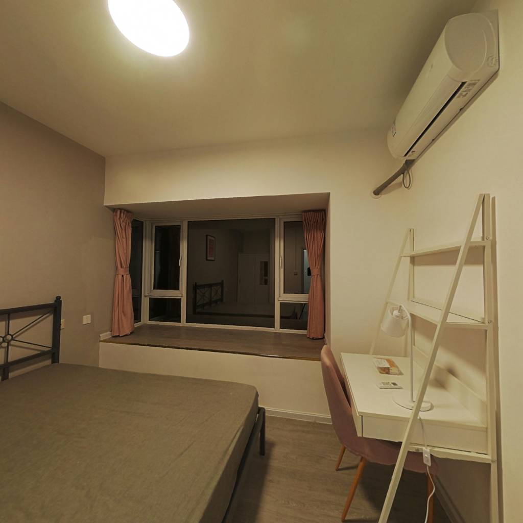 合租·隆鑫印象东方 5室1厅 南卧室图