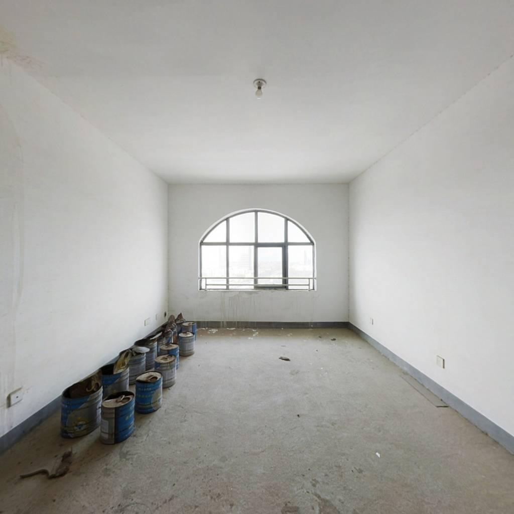 望城区雷锋大道旁3室2厅112平仅售60万