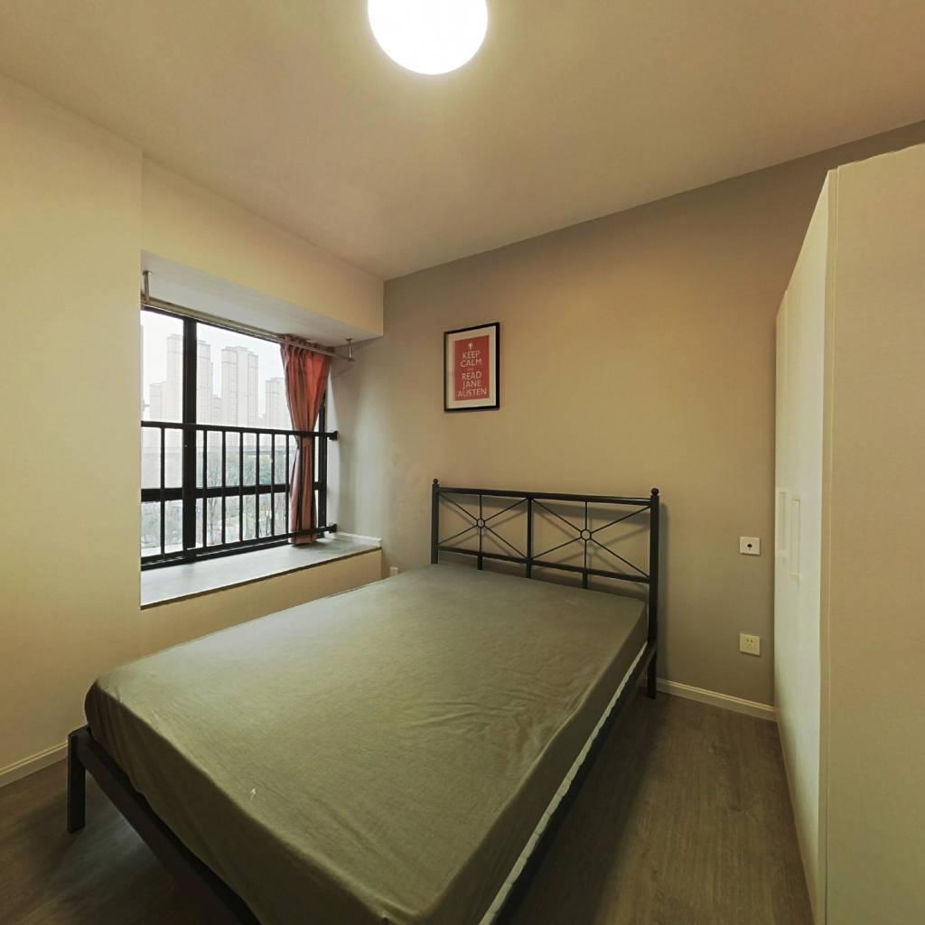 合租·华润二十四城七期 3室1厅 西北卧室图