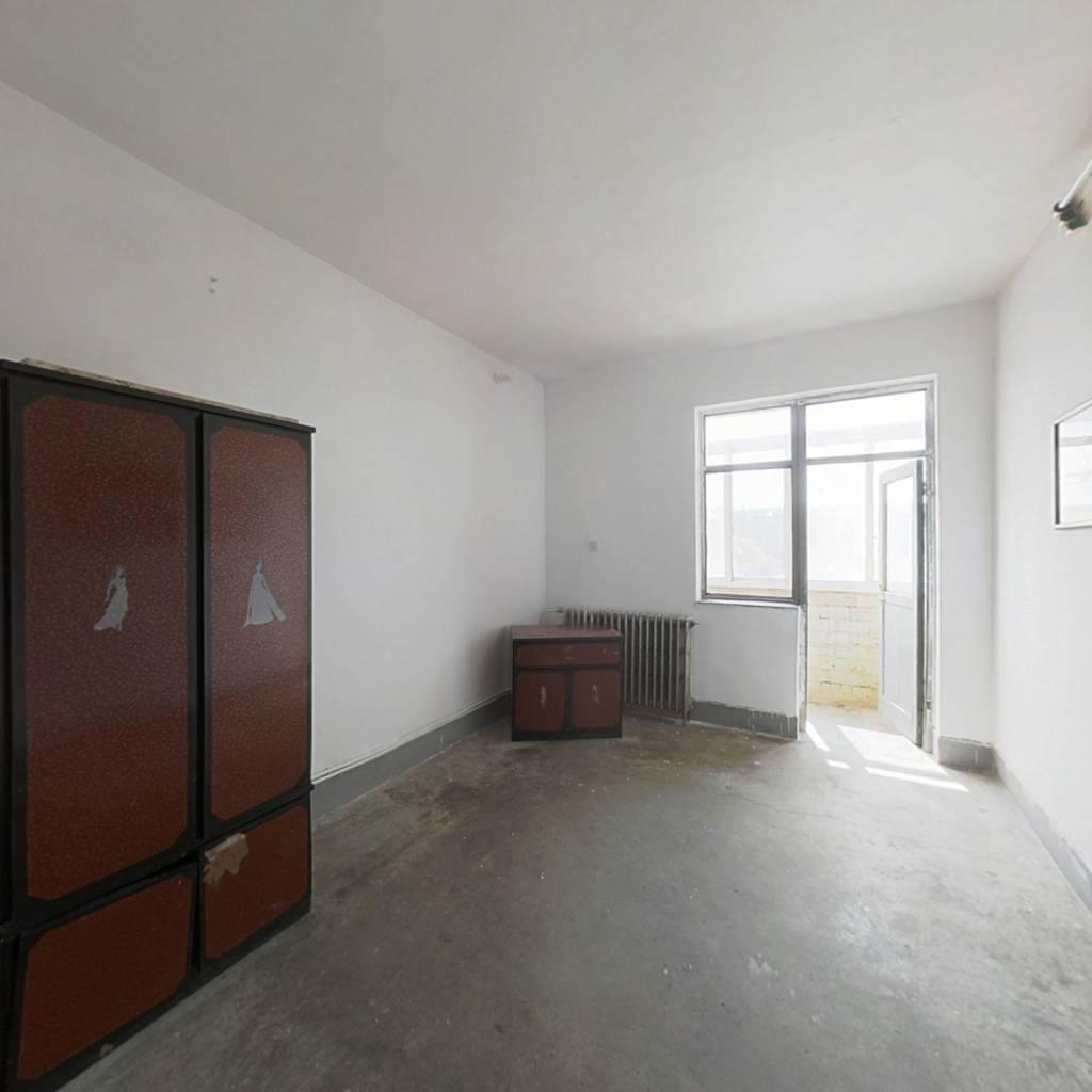 滨海新区 官港小区 小两室 看房方便 诚心出售