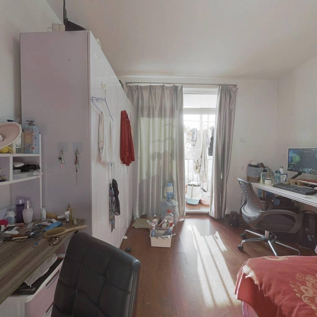 五道口 楼龄新 正规三居室 交通方便 配套齐全