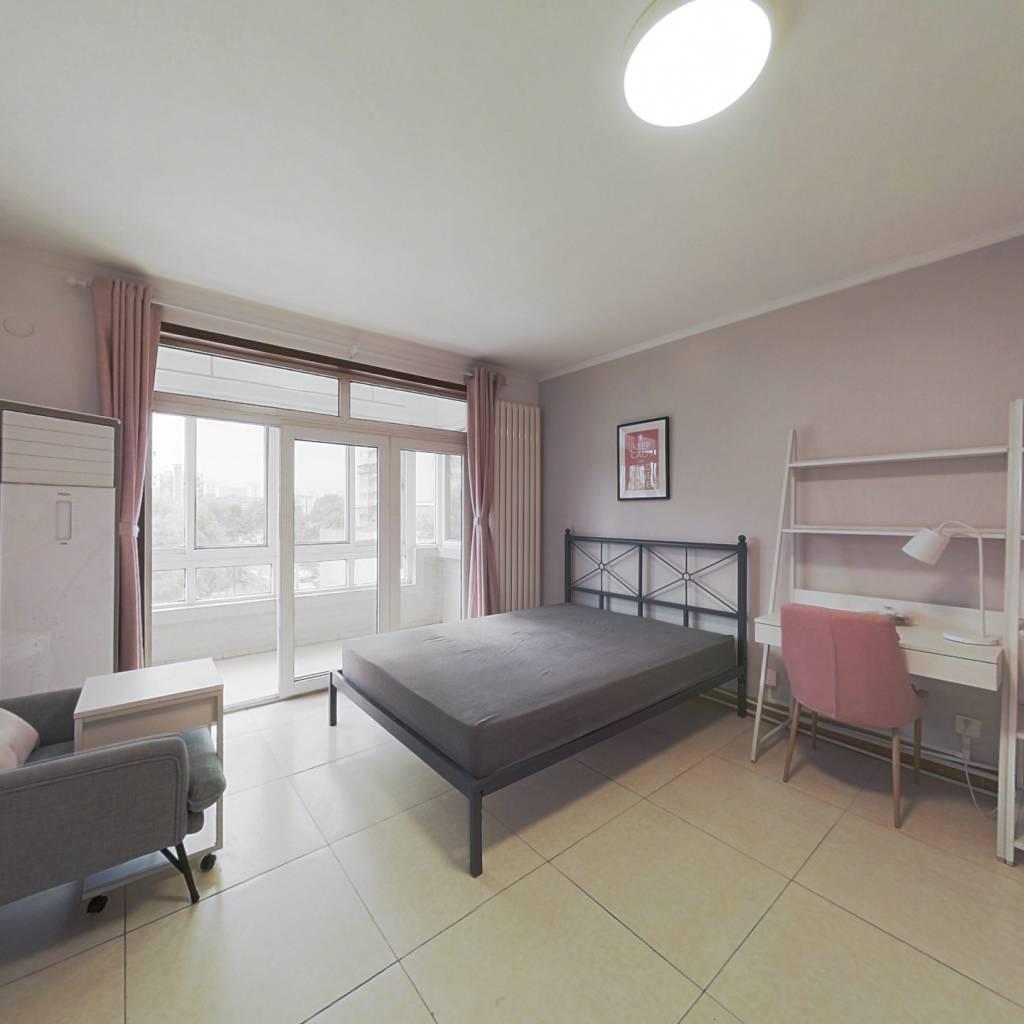 合租·上东三角洲 3室1厅 南卧室图