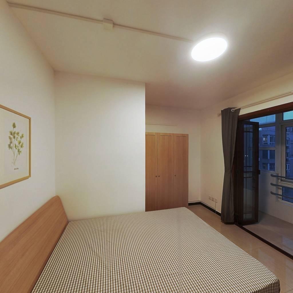合租·宁发阳光公寓 4室1厅 东卧室图