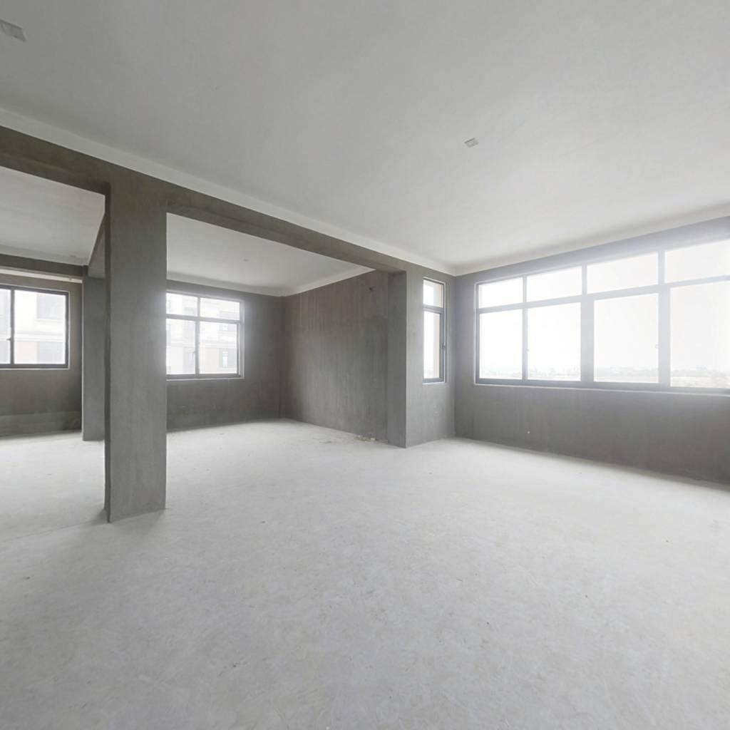 这是新房子,小户型,适合一家居住