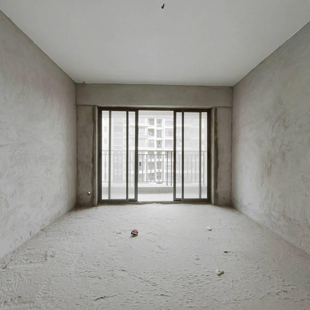 中高楼层,小区环境优美,刚需三房,