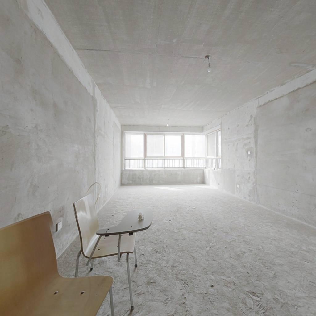 唐品A 4室2厅1厨2卫 中间楼层 视野开阔