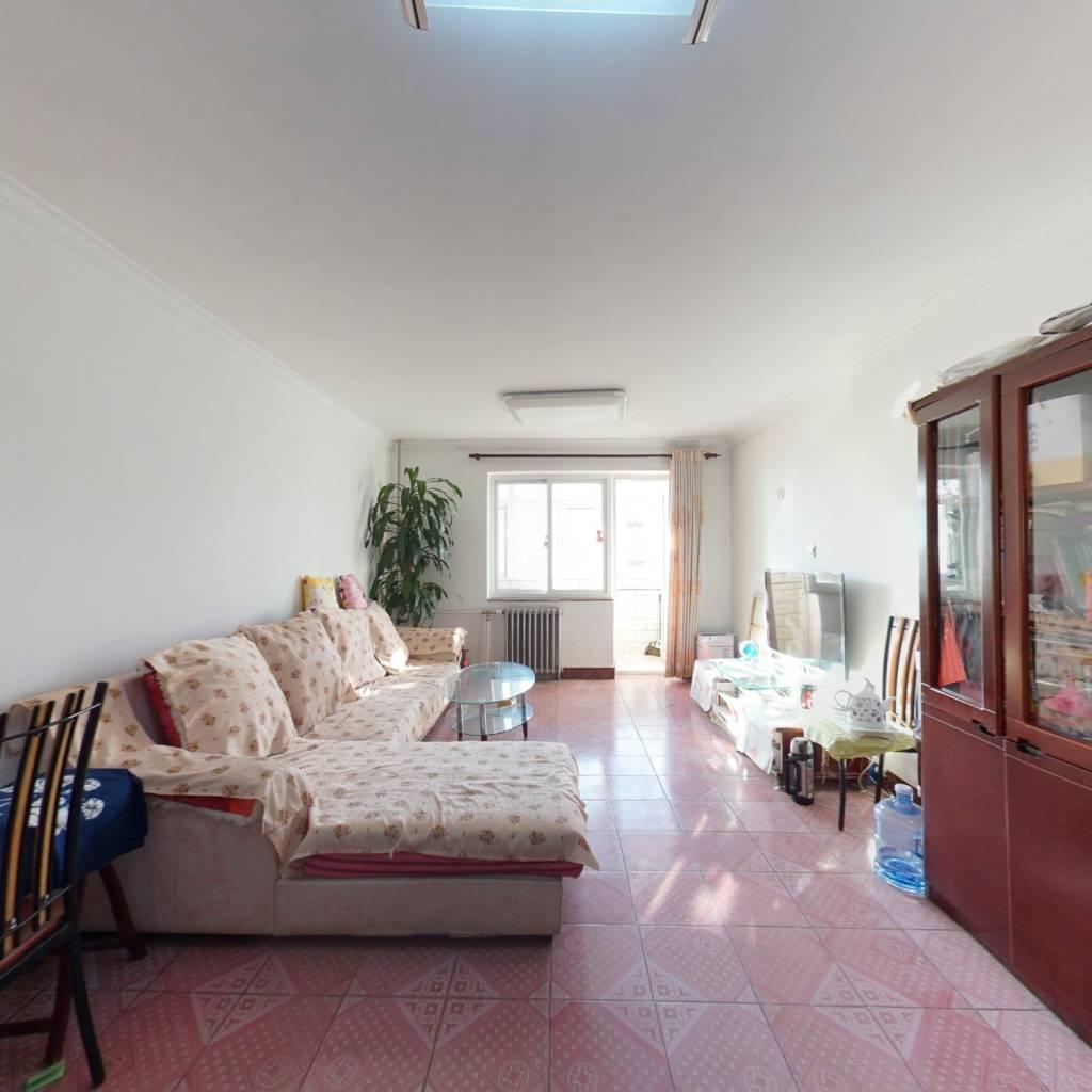 滨河小区两居室,满五年唯一,南北通透。