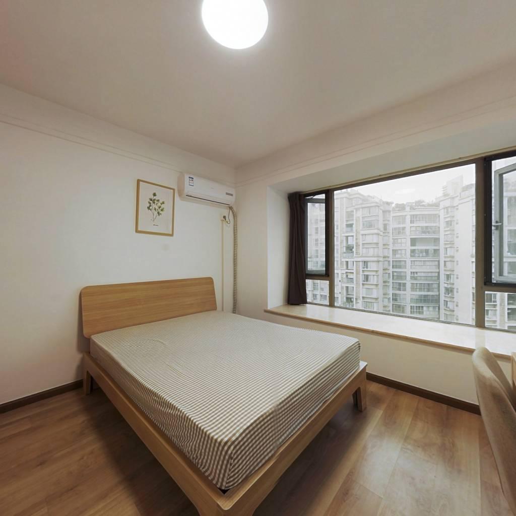 合租·中海兰庭 4室1厅 西卧室图