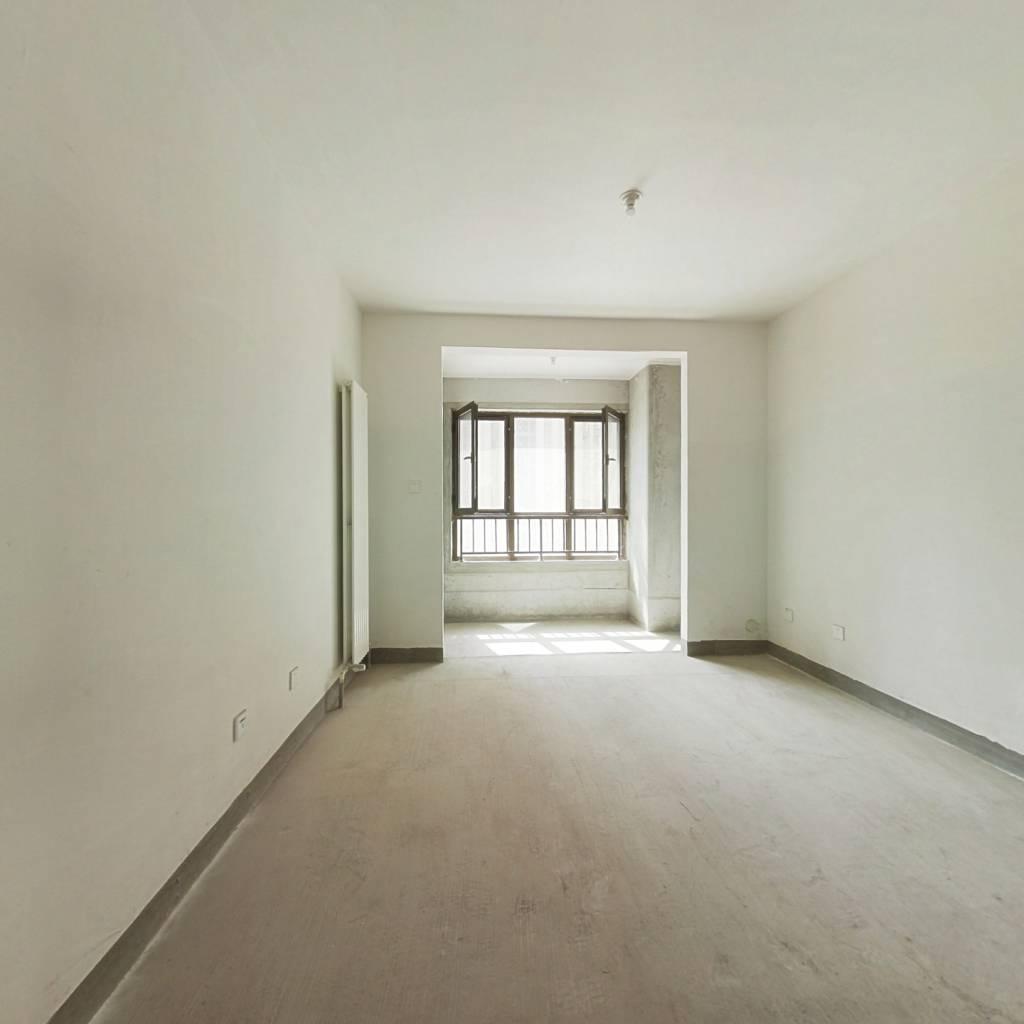 保利华庭,方正两室,南北通透,客厅敞亮