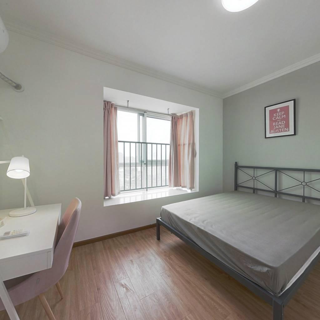 合租·沙河路苑 3室1厅 南卧室图