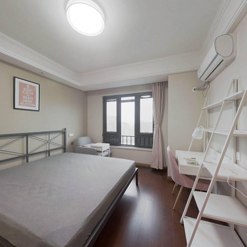 合租·万科都荟南苑B区 5室1厅 北卧室图