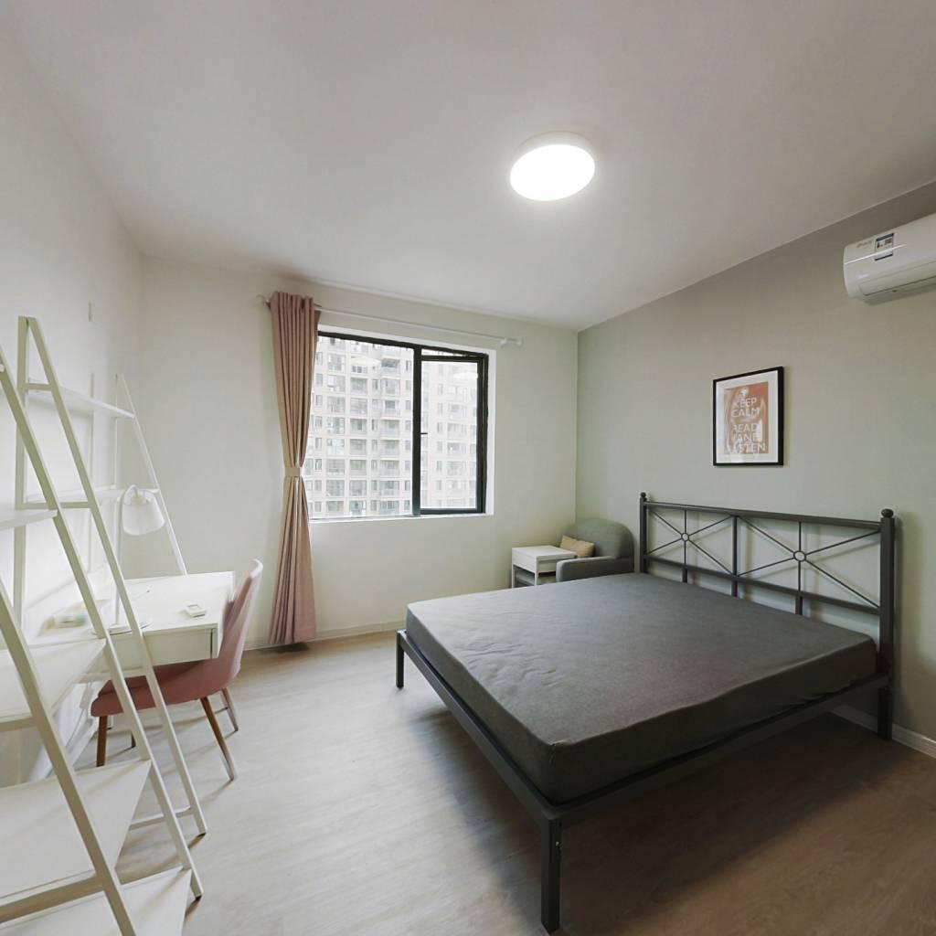 合租·翁梅新苑一区 5室1厅 南卧室图