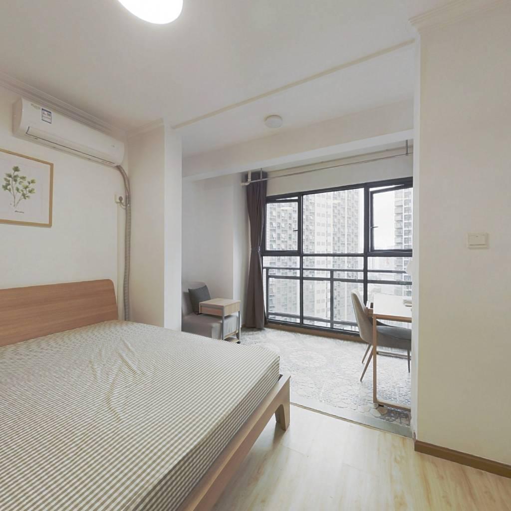 合租·龙湖金楠天街 4室1厅 东南卧室图