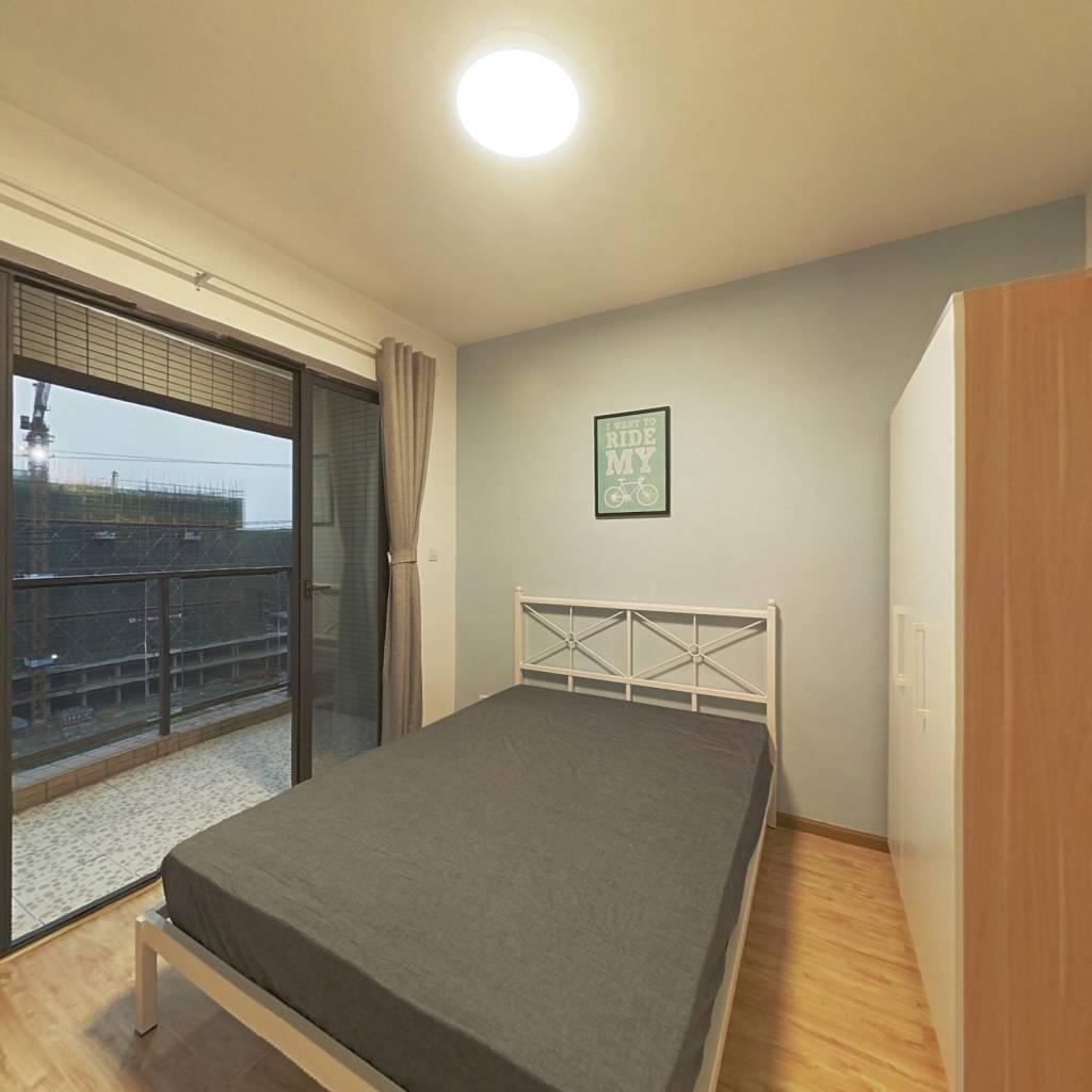 合租·保利花园一期 3室1厅 东卧室图