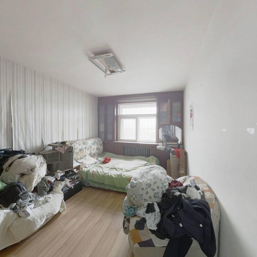 南春园,满二年,干净整洁楼层好。