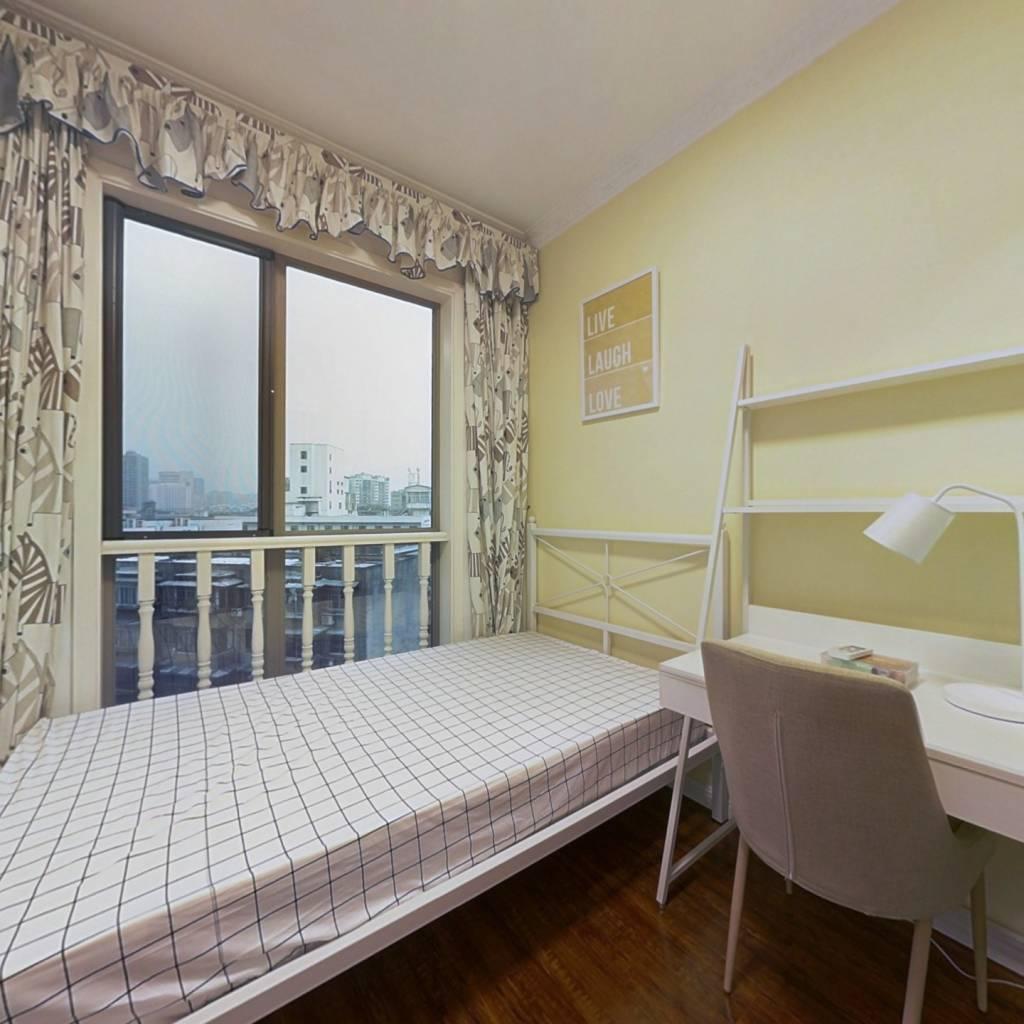 合租·双城 3室1厅 东卧室图