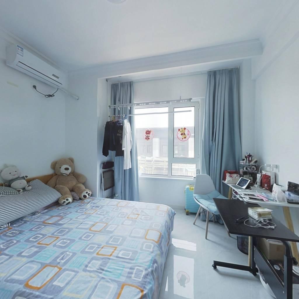 精装小公寓,带租客出售,带家具家电,月租金2000