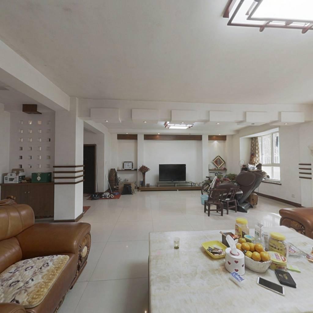 墅质平层步梯一楼洋房,依山傍水,环境优雅,配套成熟
