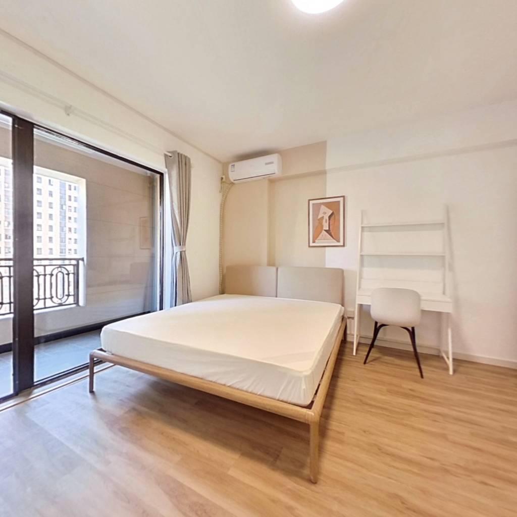合租·融创融公馆 5室1厅 西卧室图
