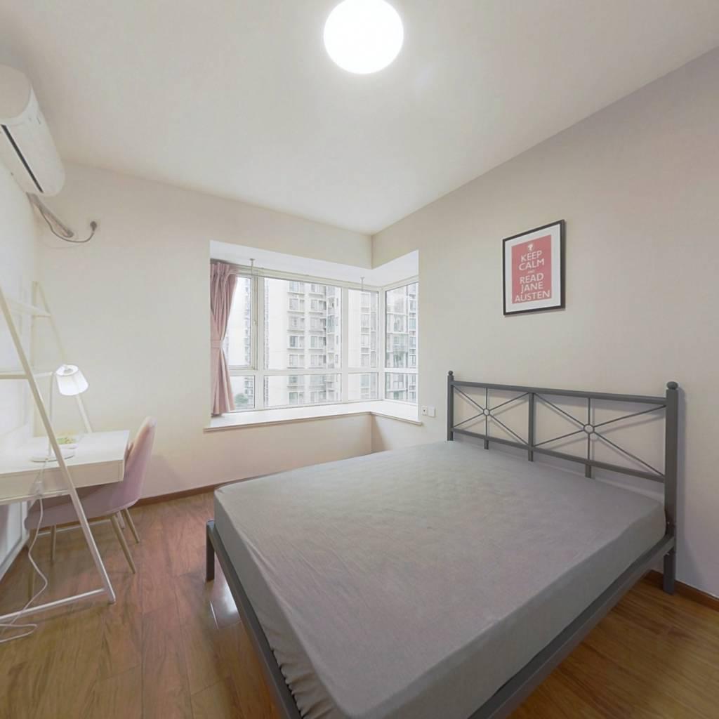 合租·上东一号三期 4室1厅 西卧室图