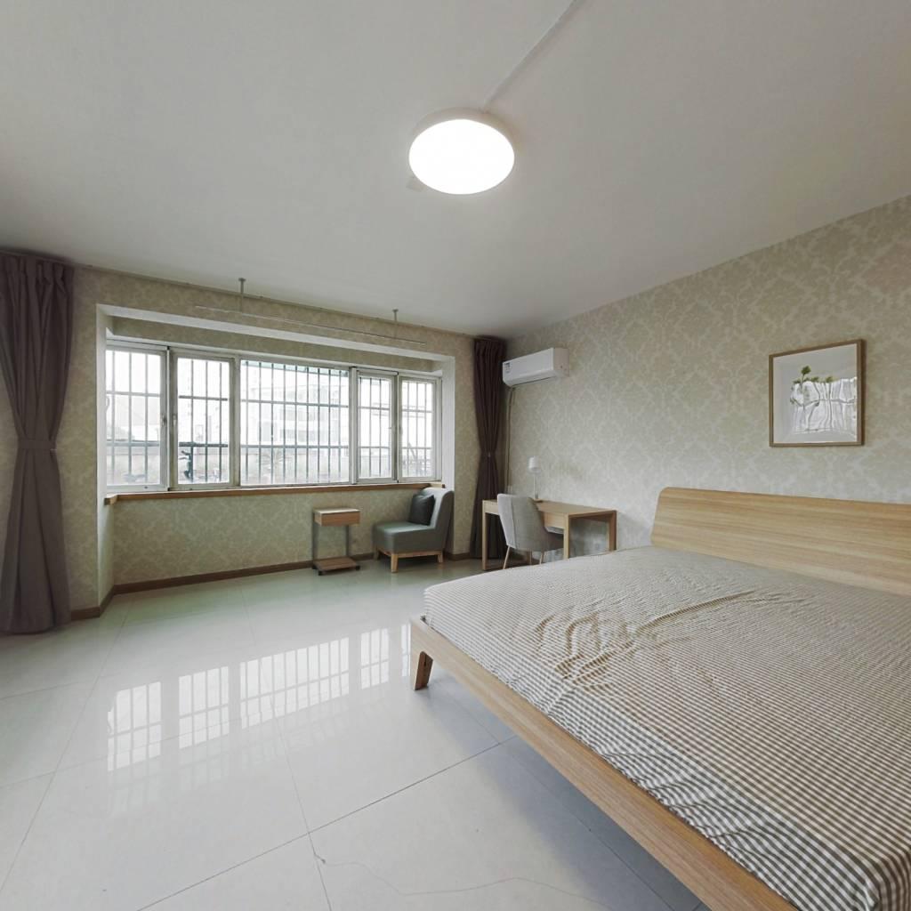合租·政苑小区 6室1厅 东卧室图