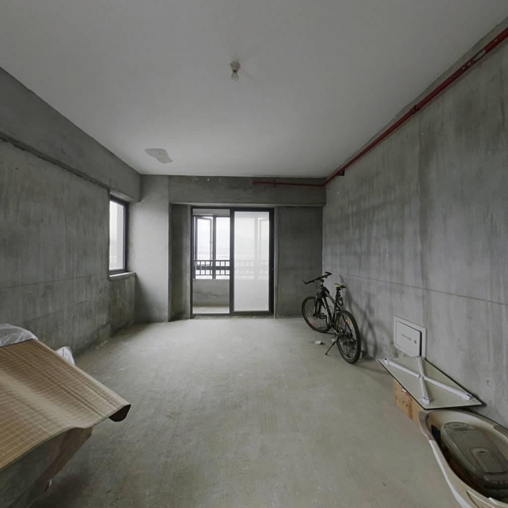 买一层有两层,相当于两套单身公寓soho利用率高