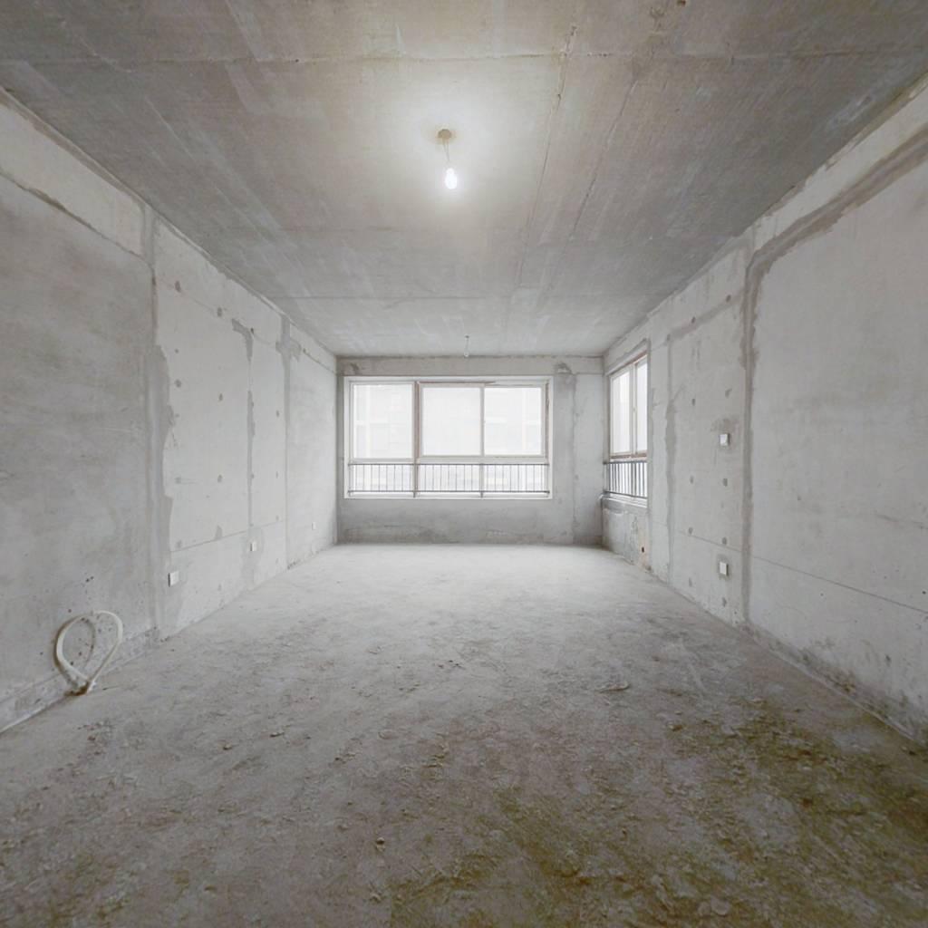 此房诚心出售,大四室,寻找全款客户