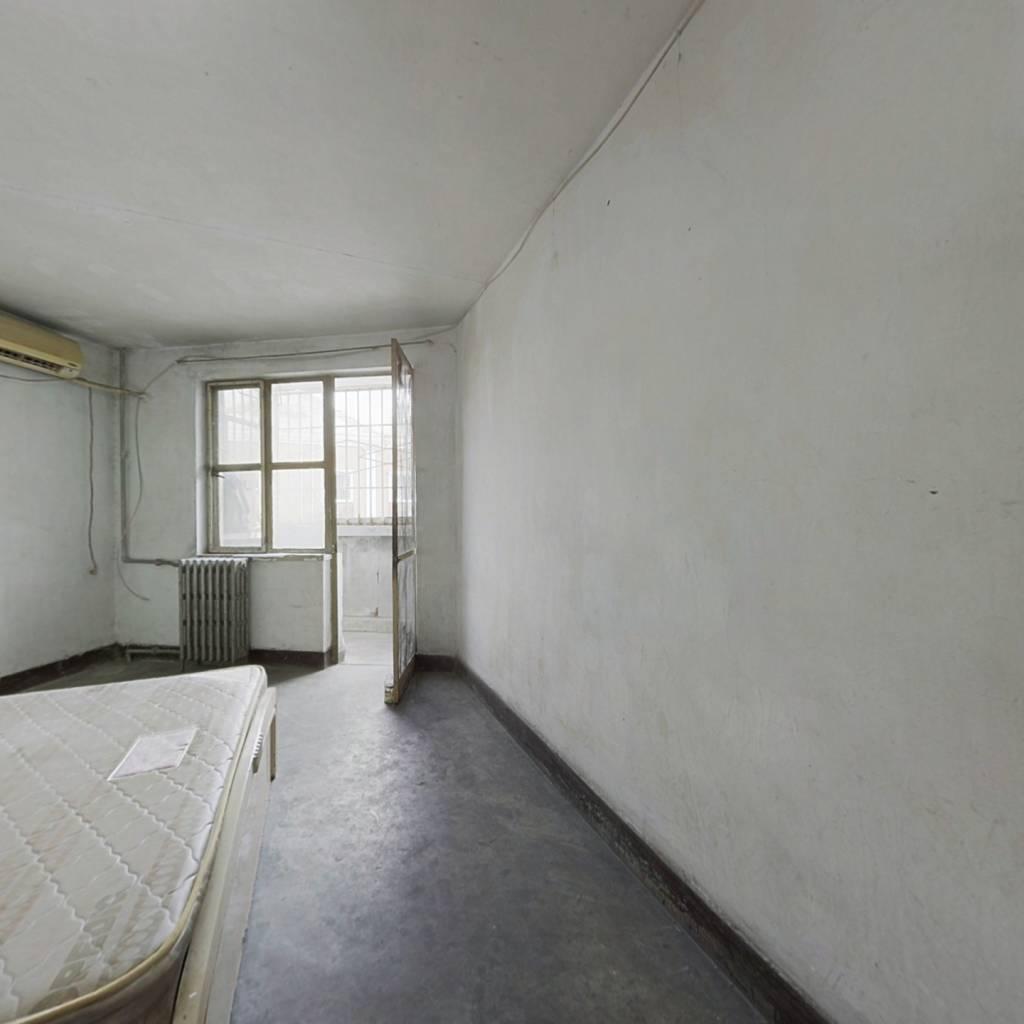 电信小区 1室1厅 360万