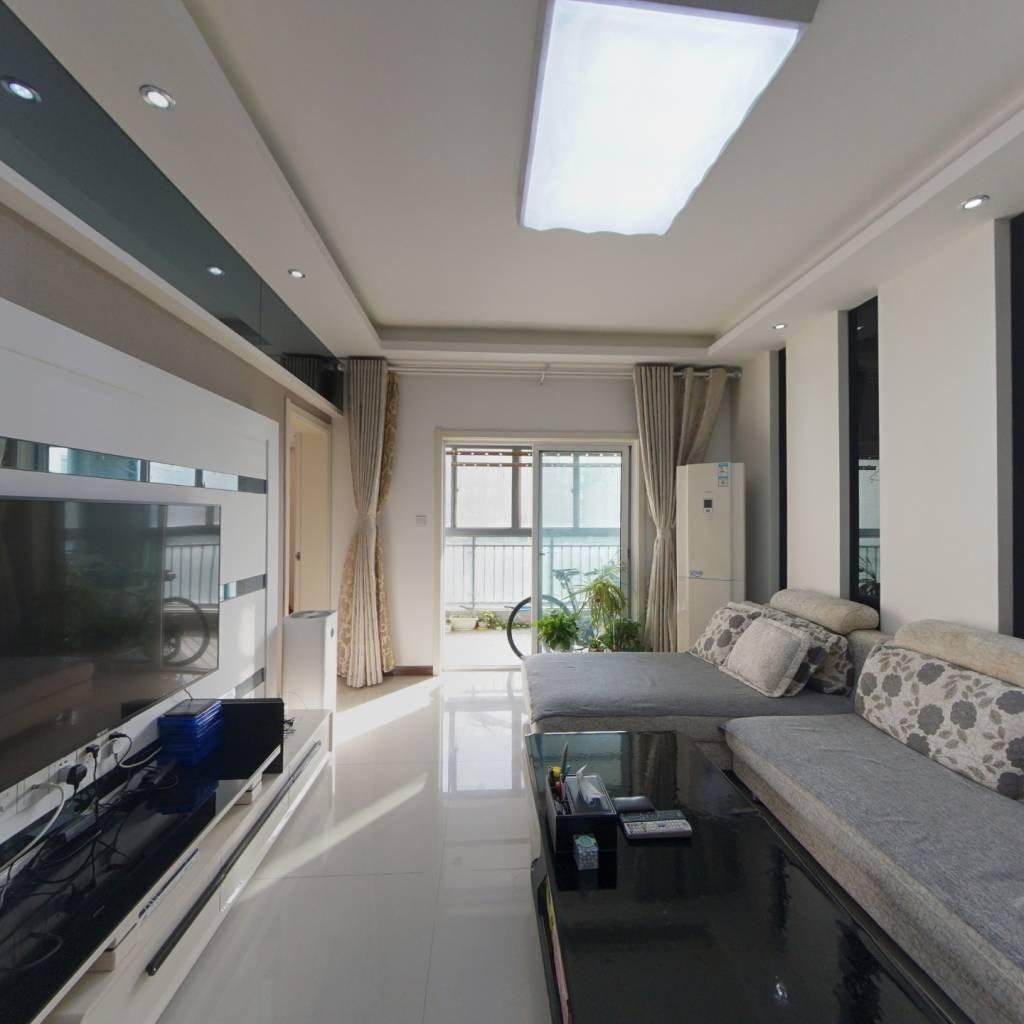 精装修朝南两房,客厅大阳台,两证满两年,