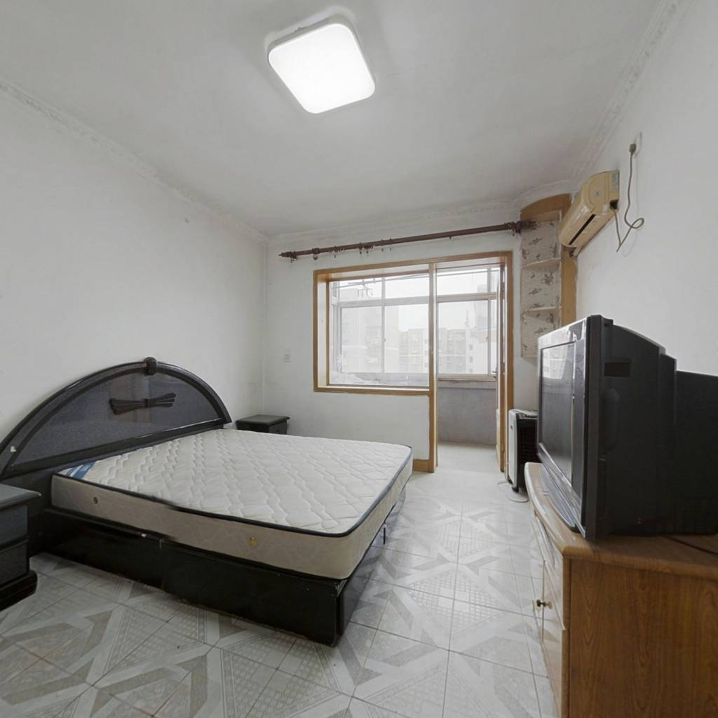 海淀 西四环 永定路30号院中间楼层两居室