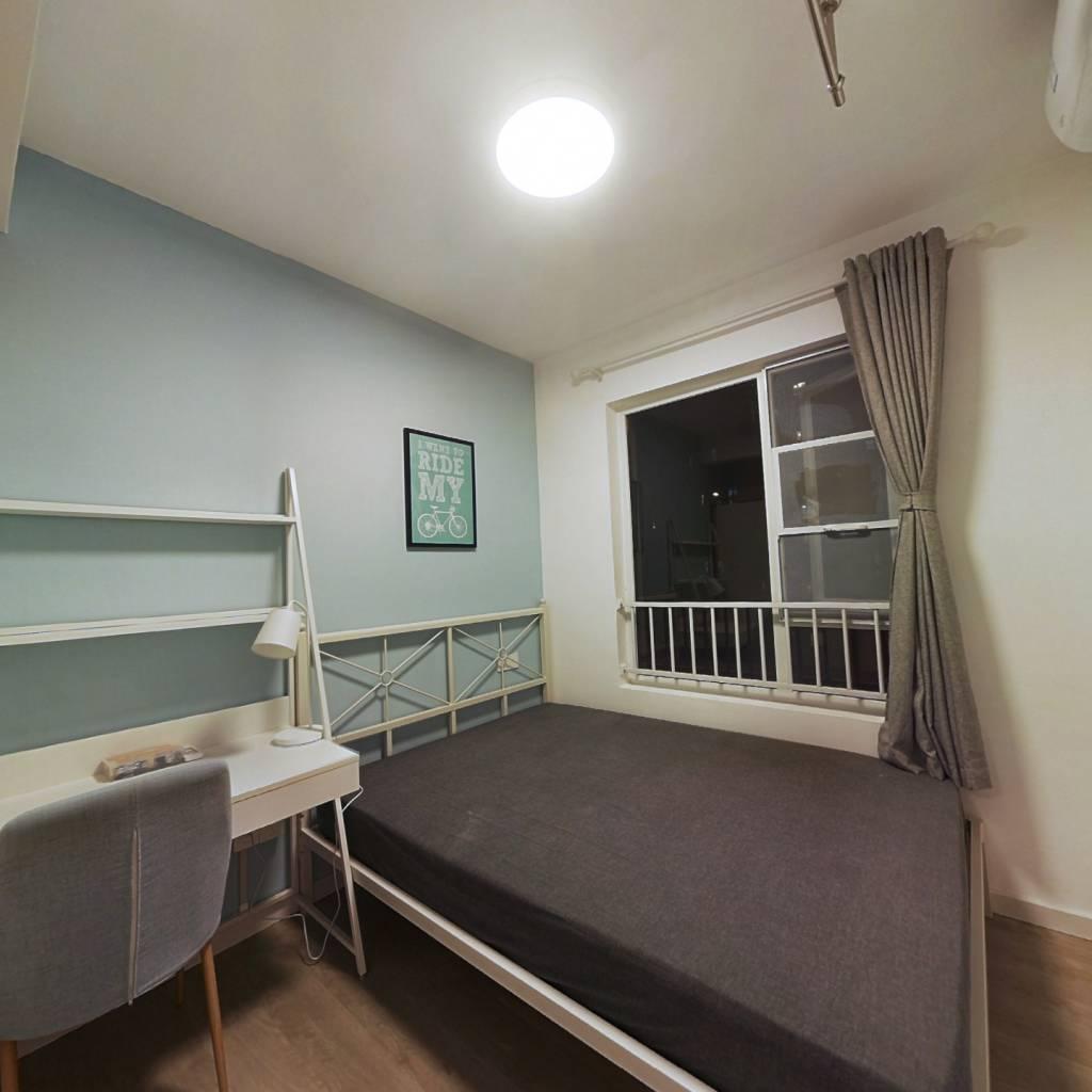 合租·保利中央公馆 5室1厅 南卧室图