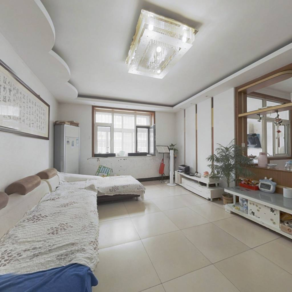 沂州阳光花园三室两厅满五唯一,带车库和储藏室