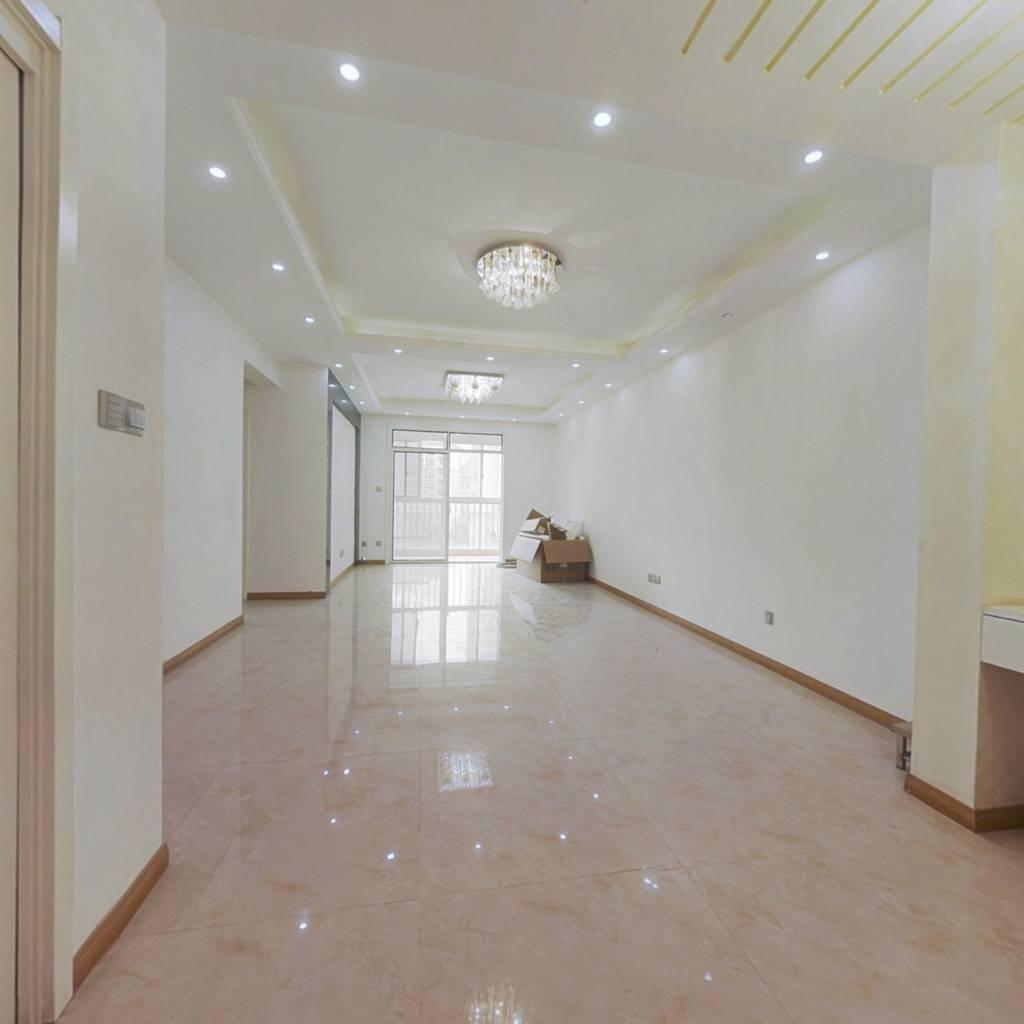 锦绣龙城全新精装大两房,满二年,楼层位置好!