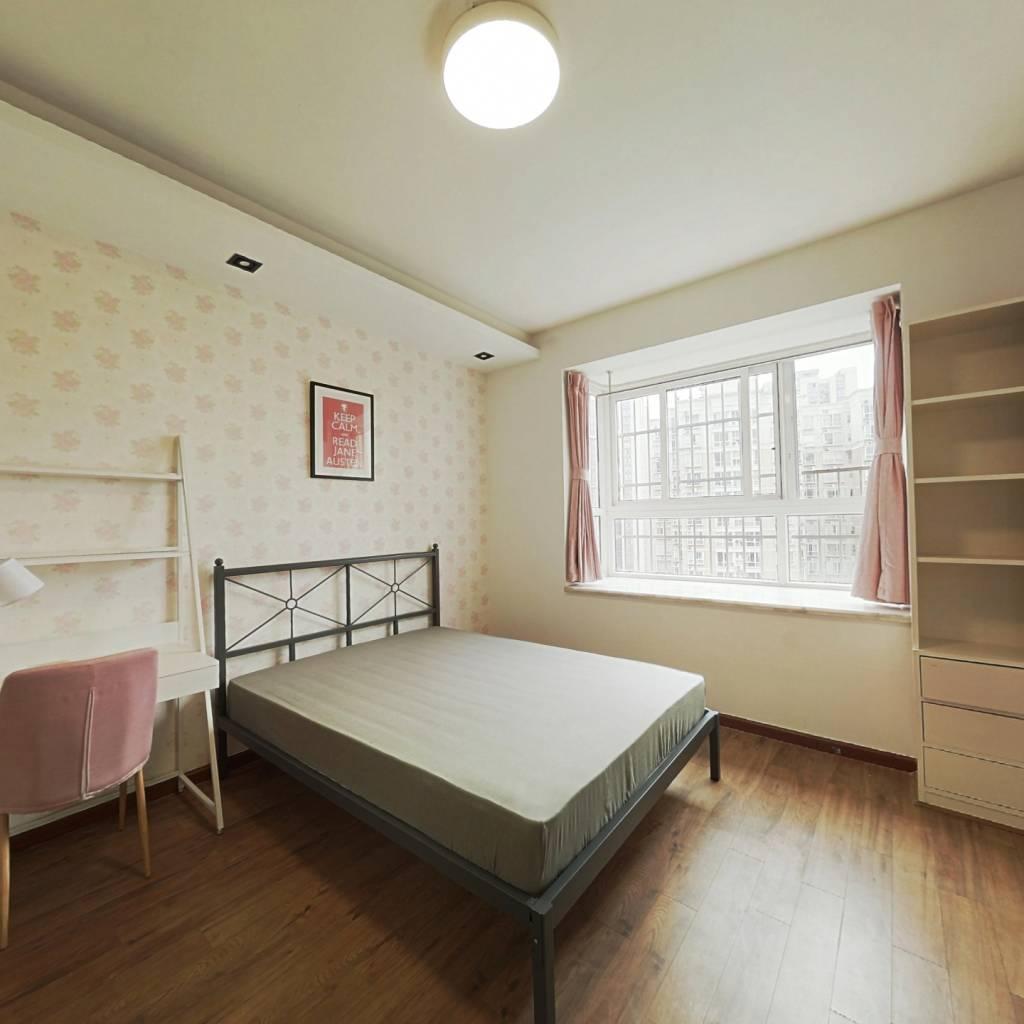 合租·蜀都花园 4室1厅 东南卧室图
