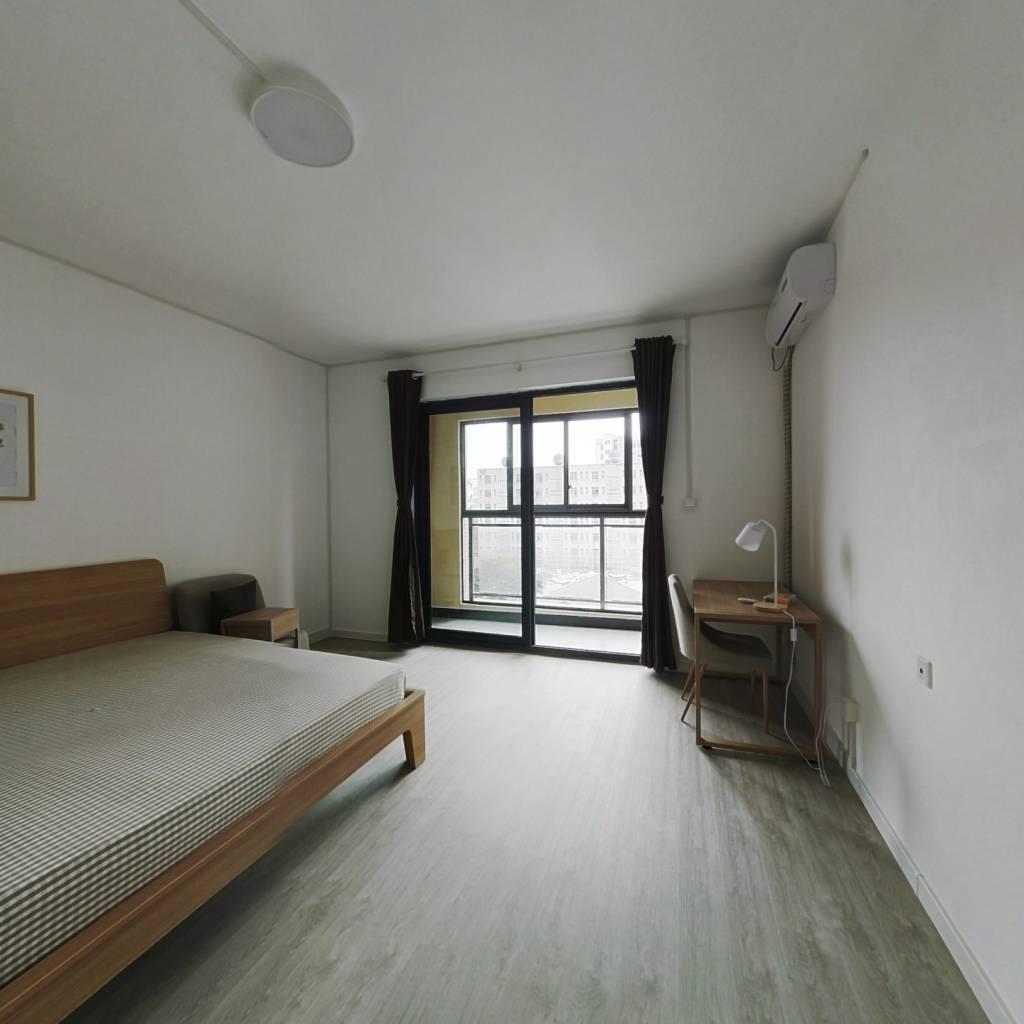 合租·复地东湖国际七期 5室1厅 北卧室图