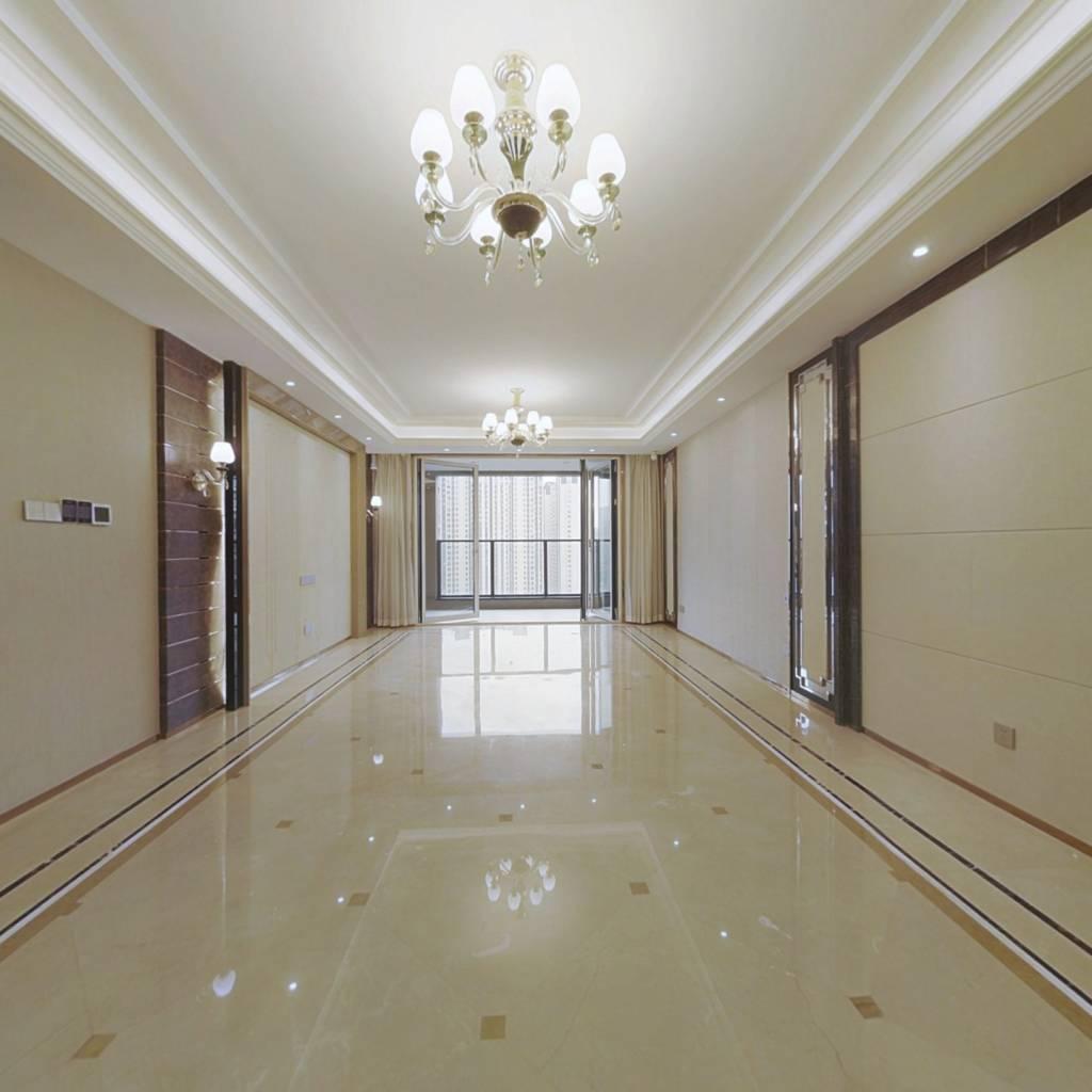 锦城湖畔 改善住宅 品质装修 标准四房带保姆间