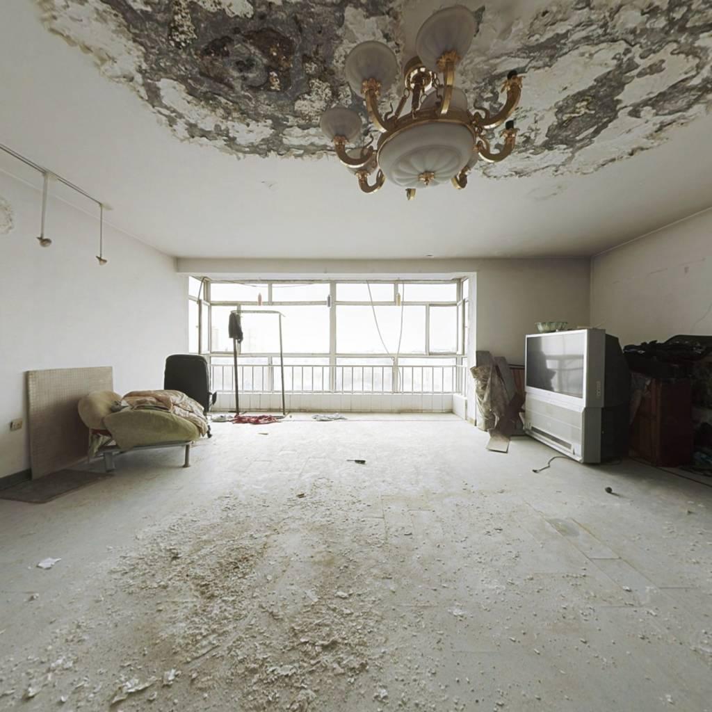 金贵家园 4室2厅 南 北