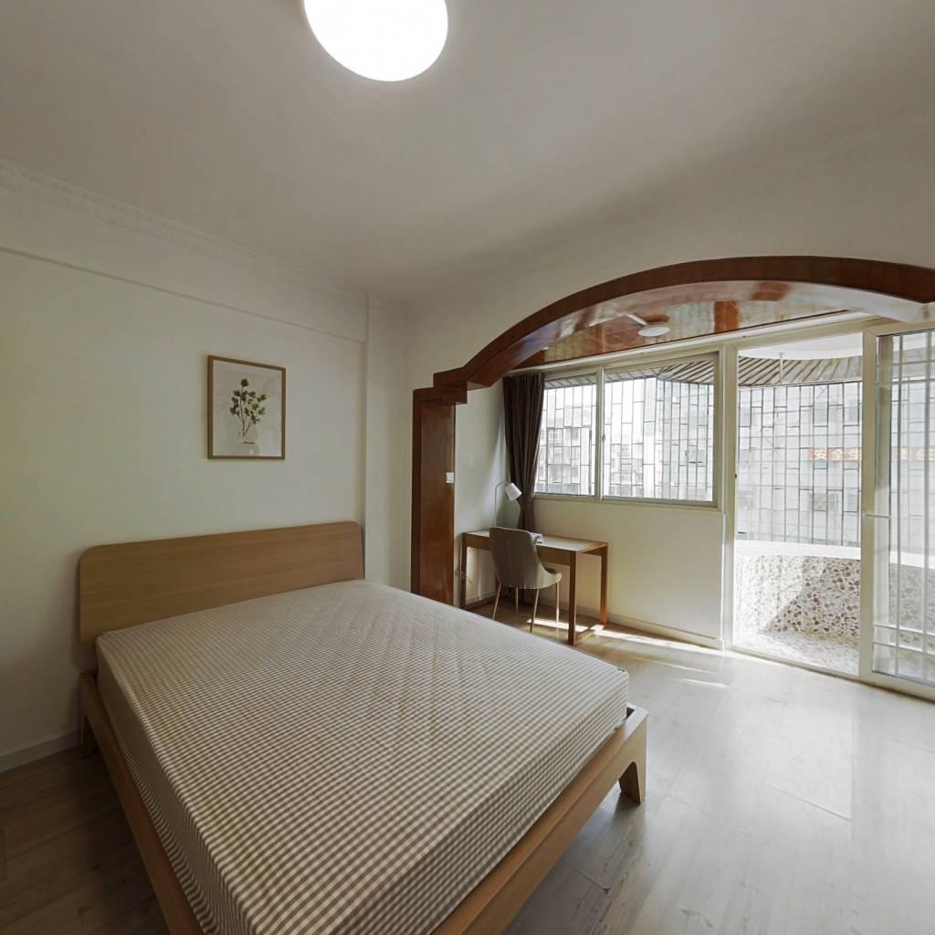 合租·科技园四十八区 3室1厅 北卧室图