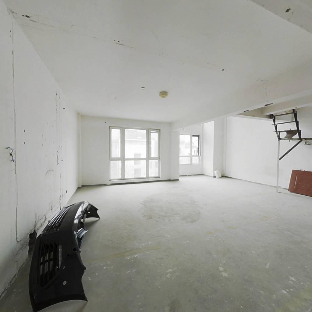 面积大全天采光 精装修无公摊房主自住现换大房子了