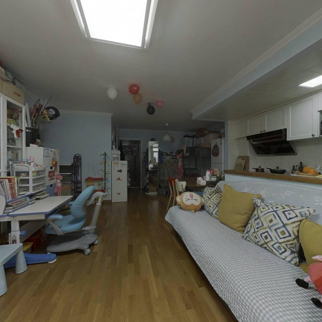 2008年社区,正规一居,集中供暖,户型方正,商品房