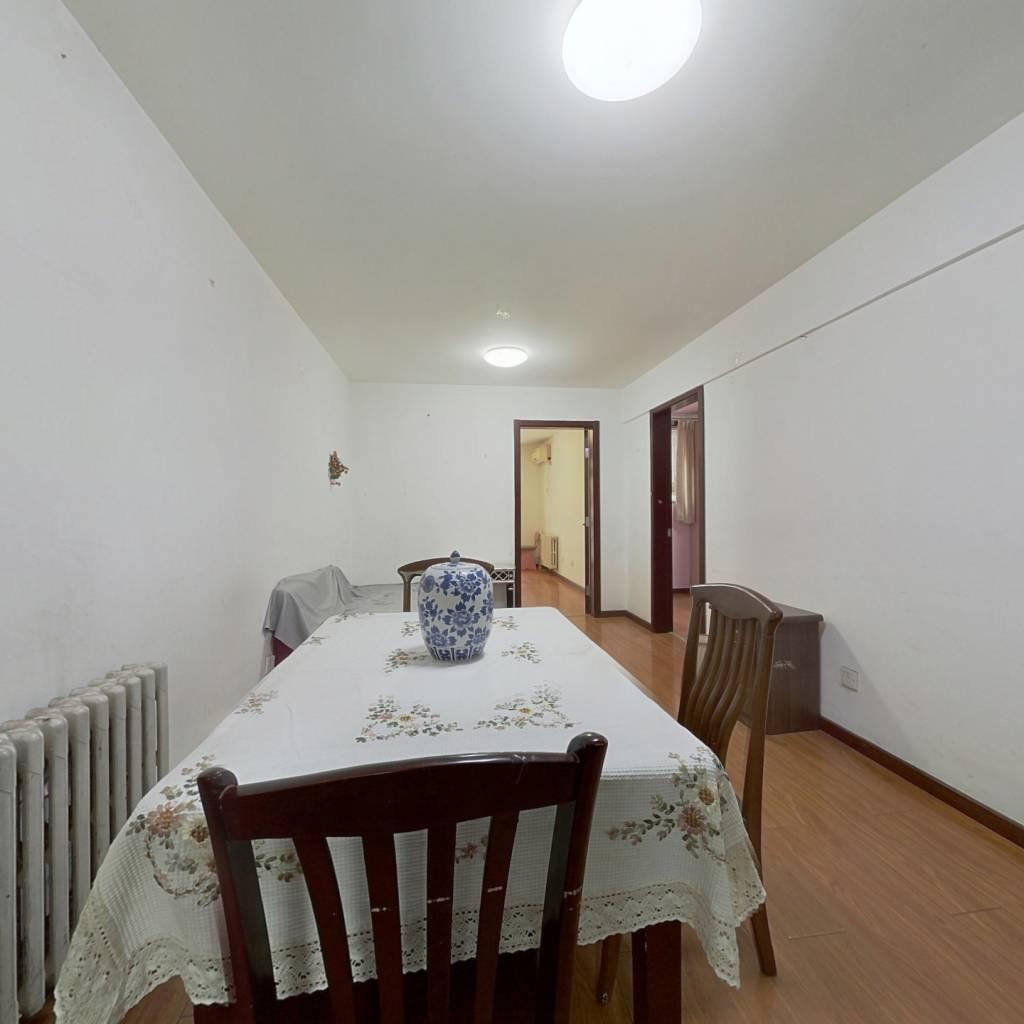 崇文门低楼层 南北通透3居室,精装修带小院