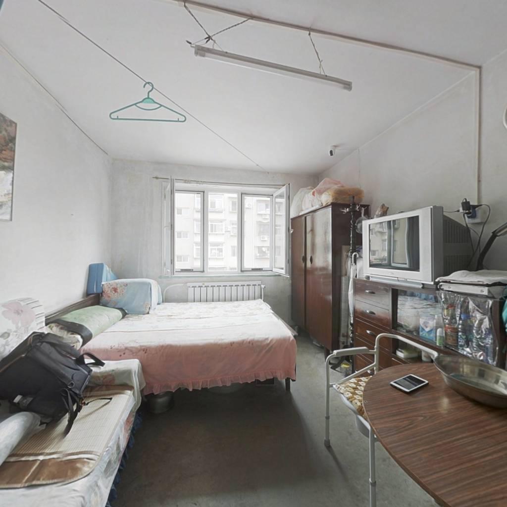 倚虹东里 一室 采光好 看房方便